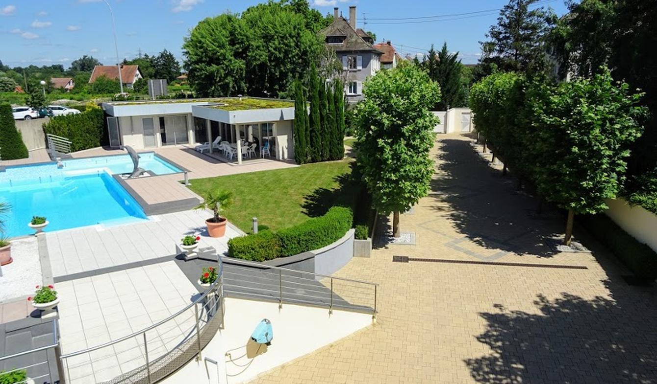 Propriété avec piscine et jardin Chatenois