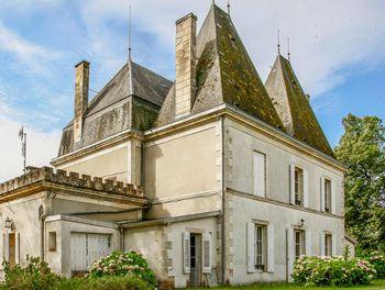château à Pineuilh (33)