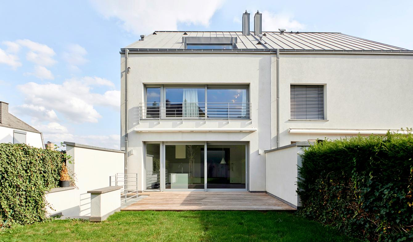 House with garden and terrace Itzig