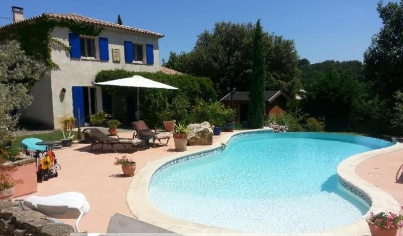 Maison avec piscine et terrasse Goudargues