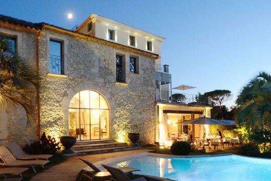 Location Vacances Hôtel De Luxe Avec Piscine Languedoc Roussillon