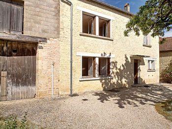 maison à Pont-la-Ville (52)