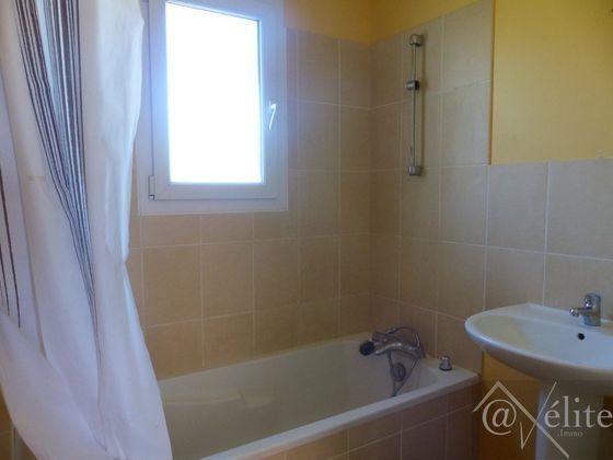 Vente maison 4 pièces 685 m2
