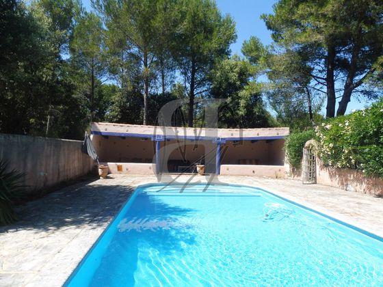 Vente villa 4 pièces 185 m2