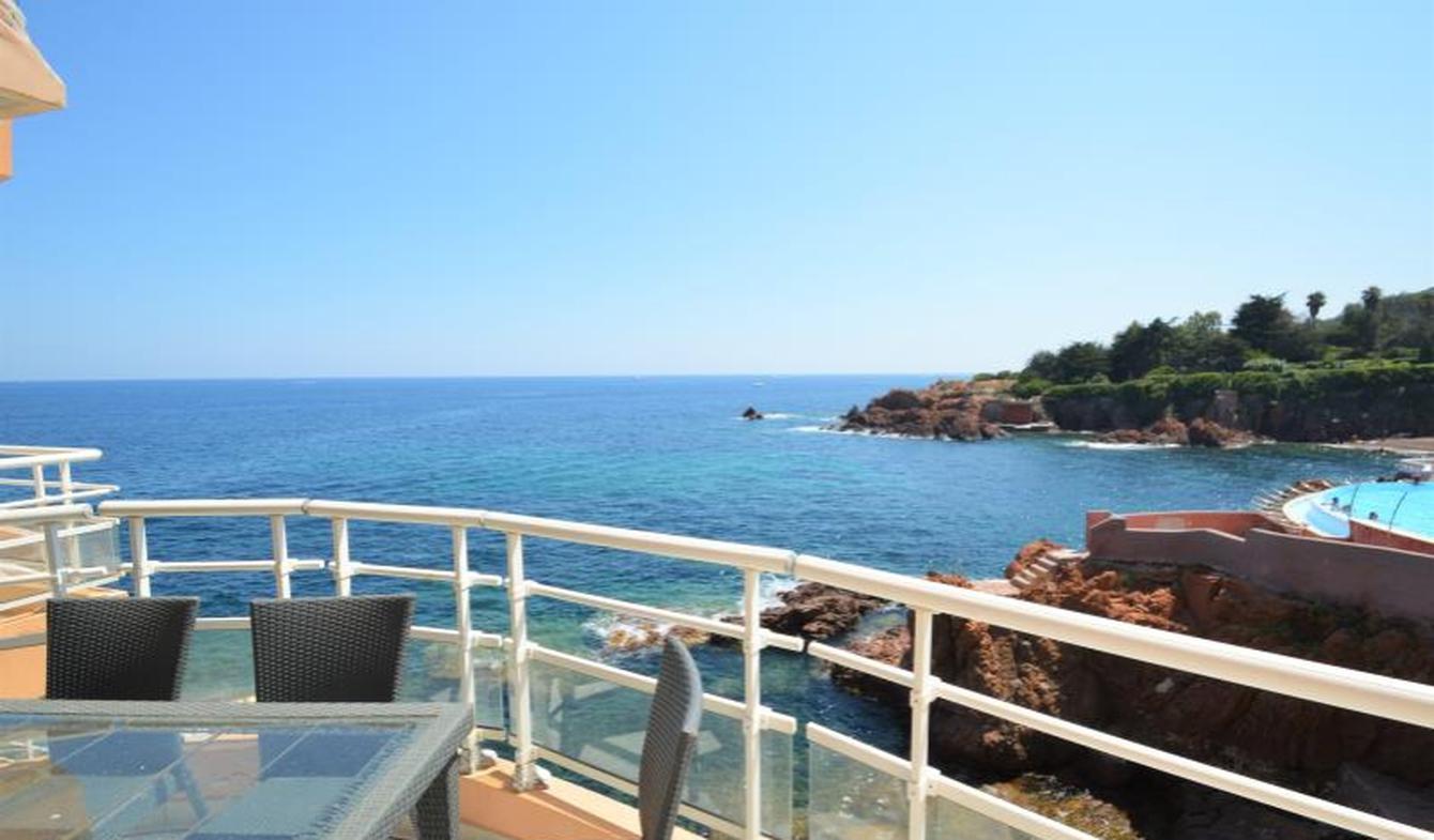Appartement avec terrasse et piscine Le trayas