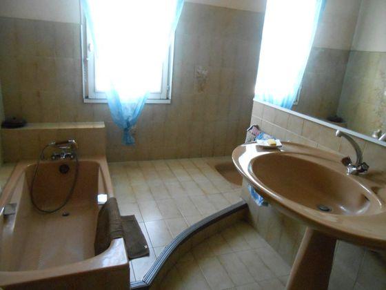 Vente villa 7 pièces 198 m2