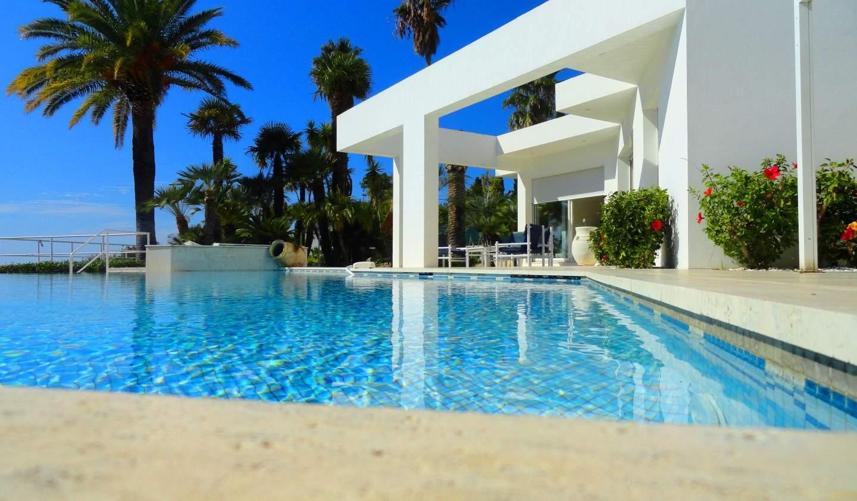 Maison contemporaine avec piscine et jardin Ajaccio