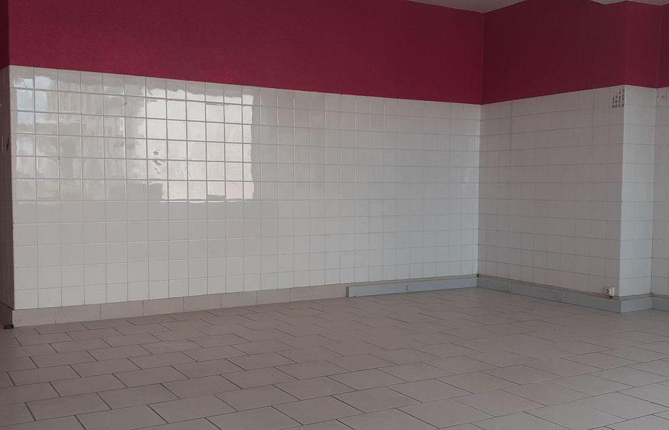 Location  locaux professionnels  50 m² à Plonévez-du-Faou (29530), 310 €