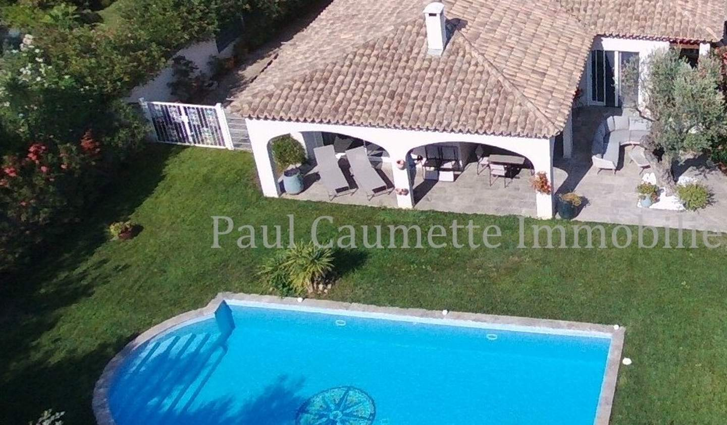 Contemporary house with pool and garden Beziers