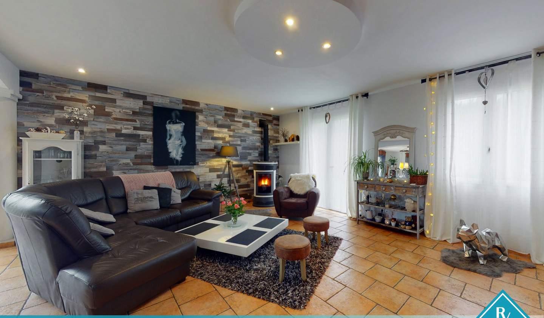 Maison avec terrasse Sideville