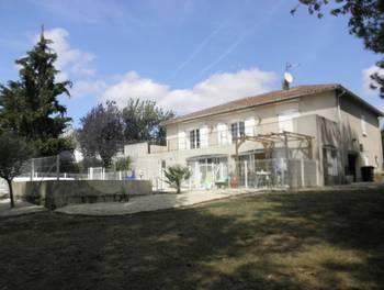 Maison 7 pièces 193 m2