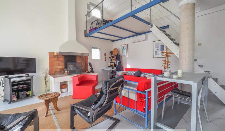 Maison avec piscine et terrasse Vers-Pont-du-Gard