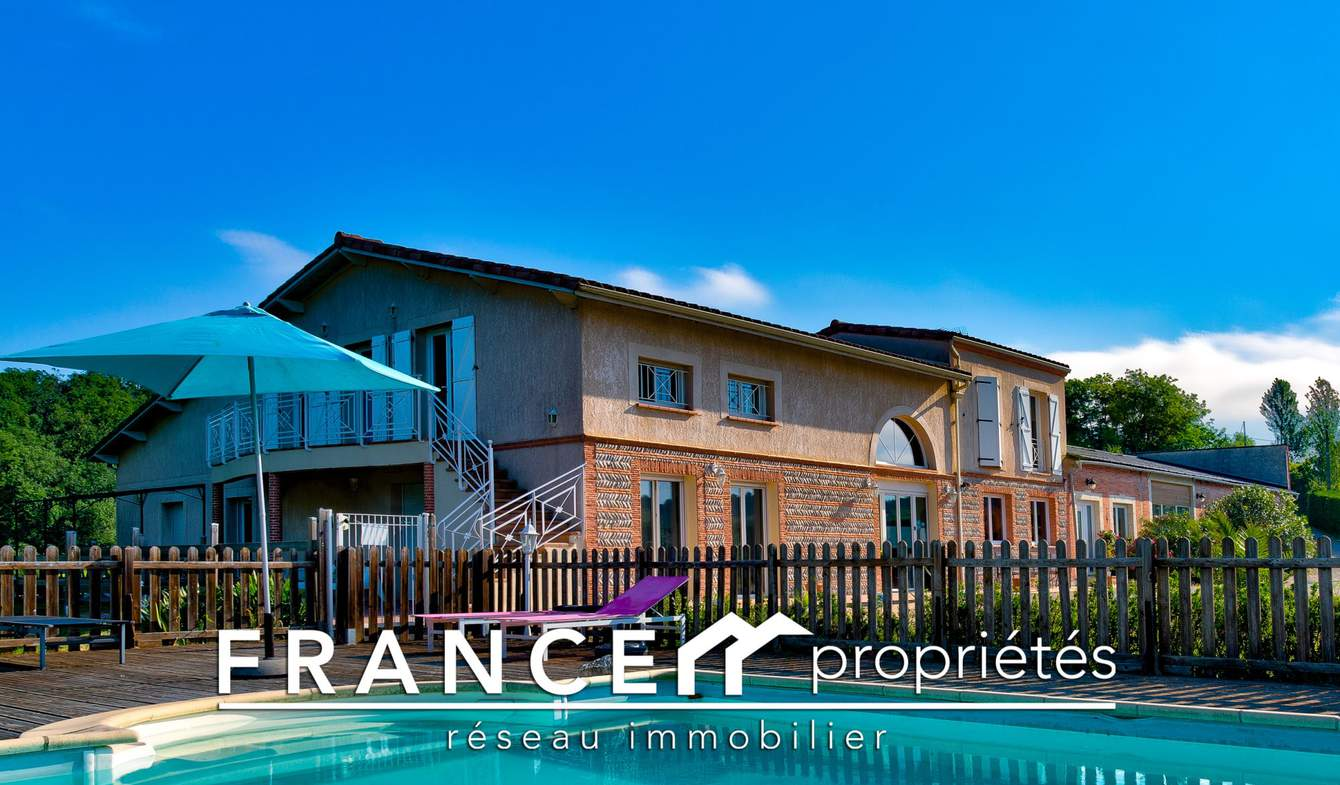 Villa avec piscine et terrasse Muret