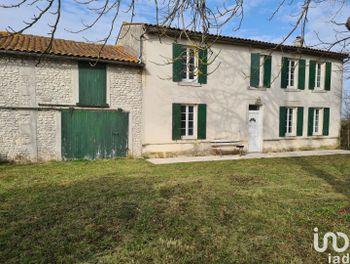 maison à Perignac (17)