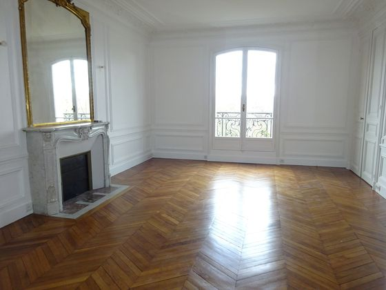 Location appartement 5 pièces 156,23 m2