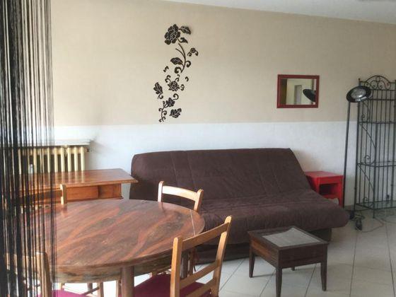 Location studio meublé 36 m2