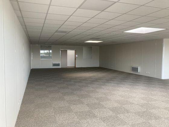 Location divers 1 pièce 155 m2