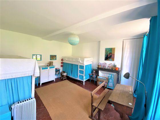 Vente propriété 7 pièces 203 m2