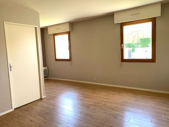 Location studio meublé 29,96 m2
