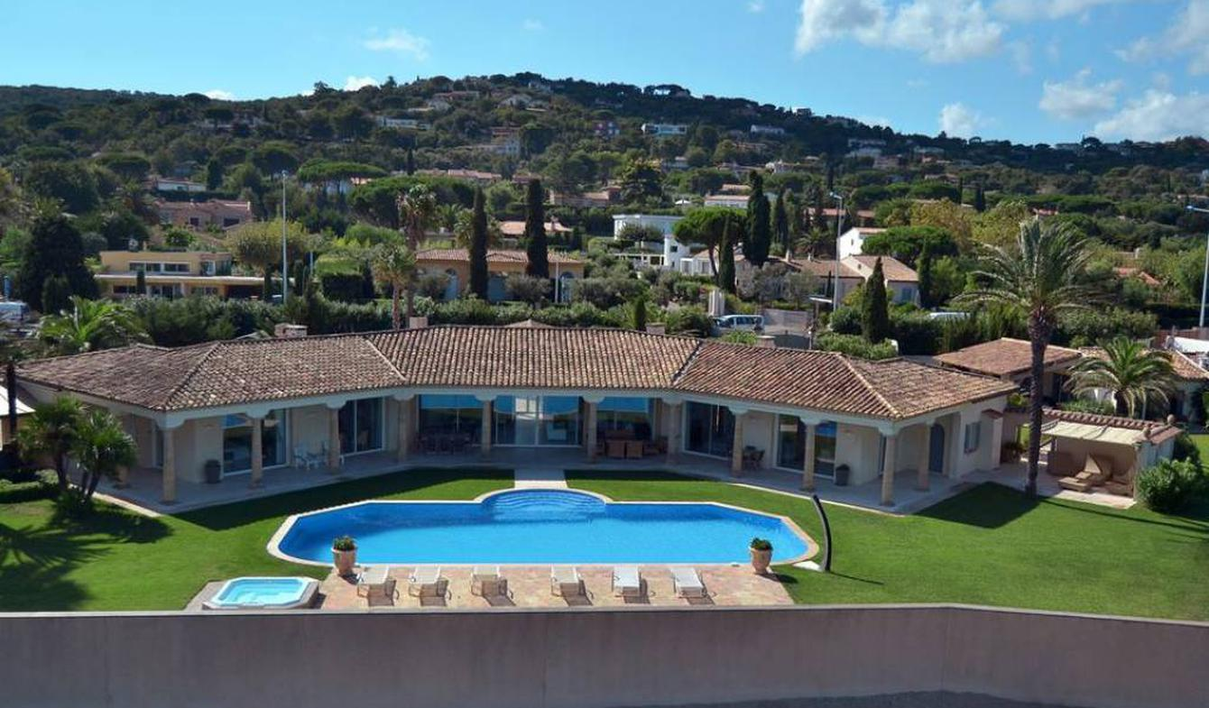 Property with pool Gassin