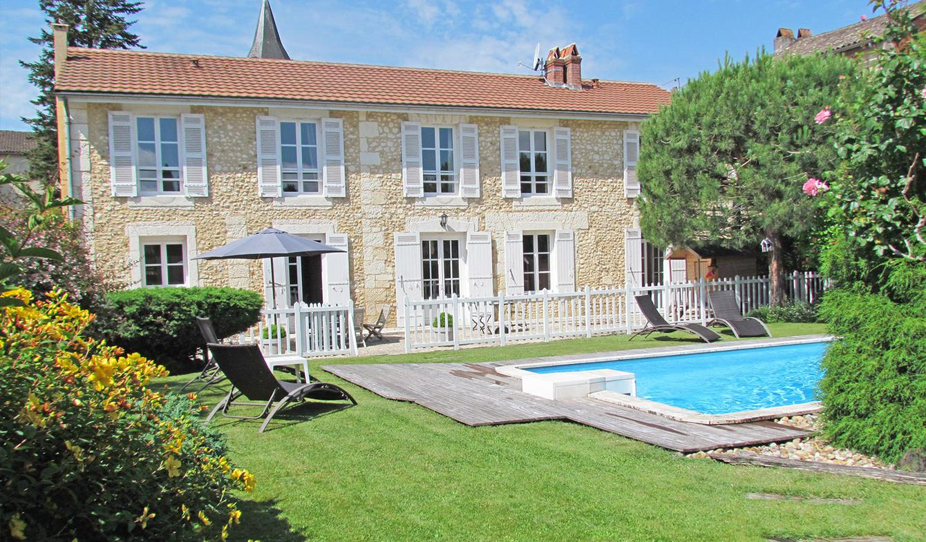 Maison avec piscine et terrasse Vergt
