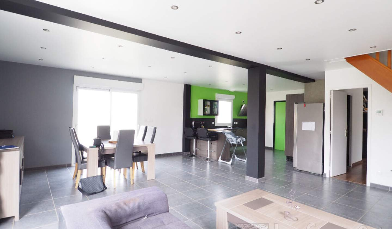 Maison avec terrasse Moult