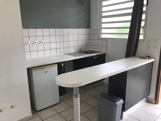 Location studio 23,59 m2