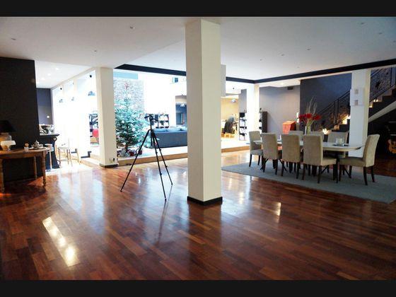 Vente appartement 8 pièces 595 m2