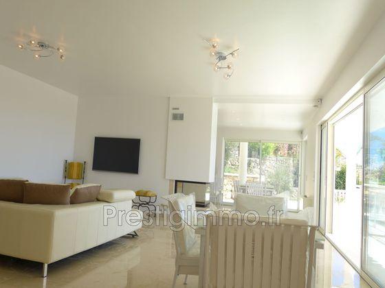 Location villa 5 pièces 250 m2