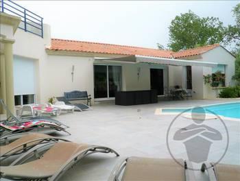 Villa 8 pièces 251 m2