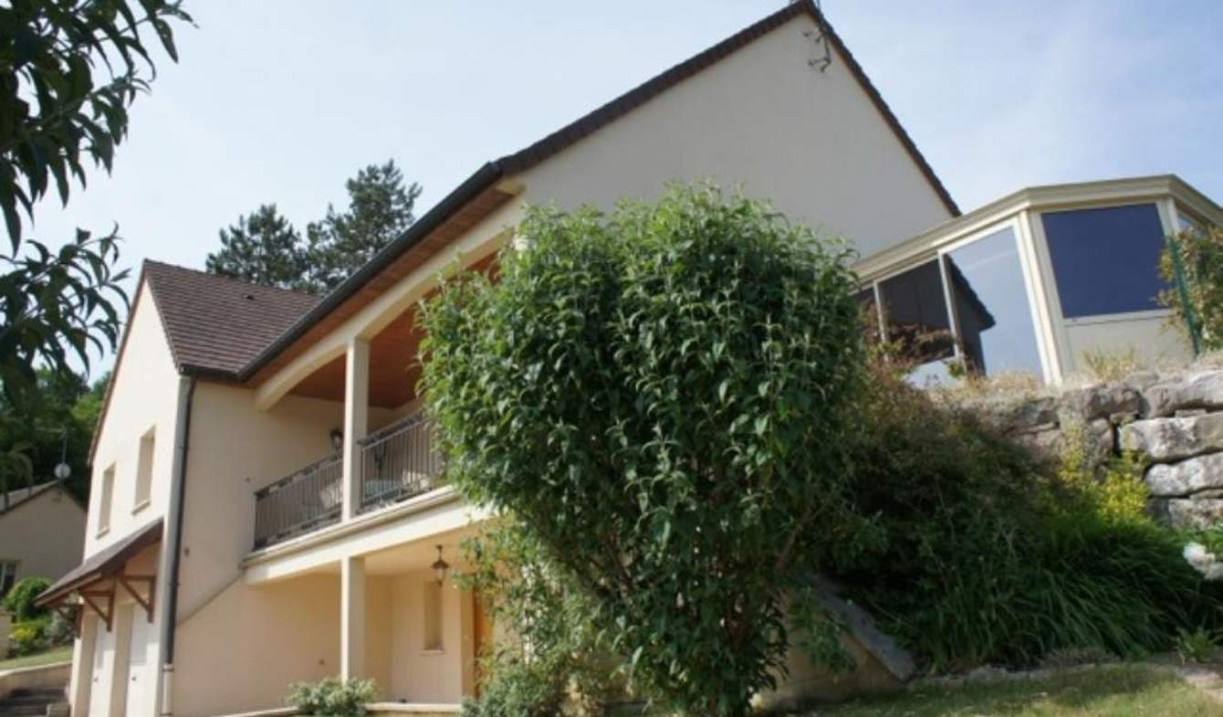 House with pool and terrace Savigny-les-beaune