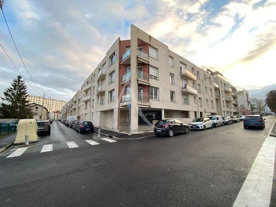 Location studio 24 m2 à Reims