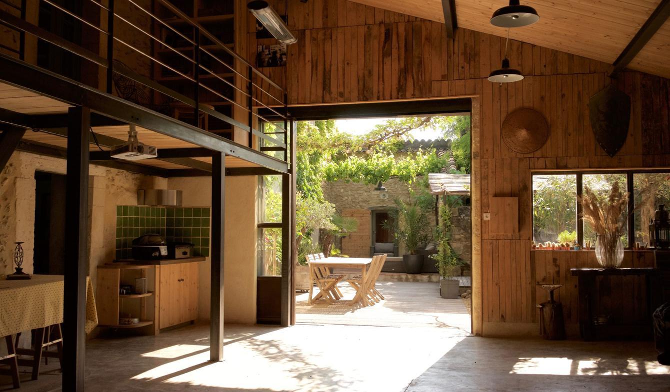 Loft avec terrasse et salle de réception Oppède
