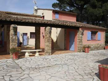 Villa 35 pièces 650 m2