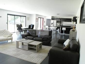 Maison 9 pièces 277 m2