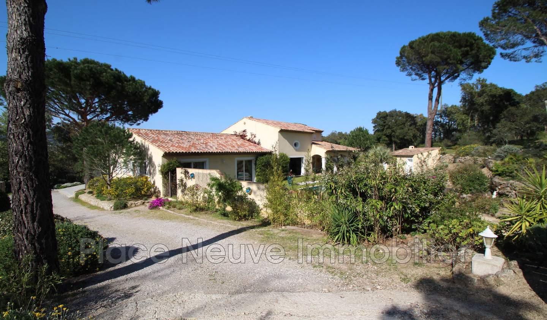 House with terrace Plan-de-la-Tour