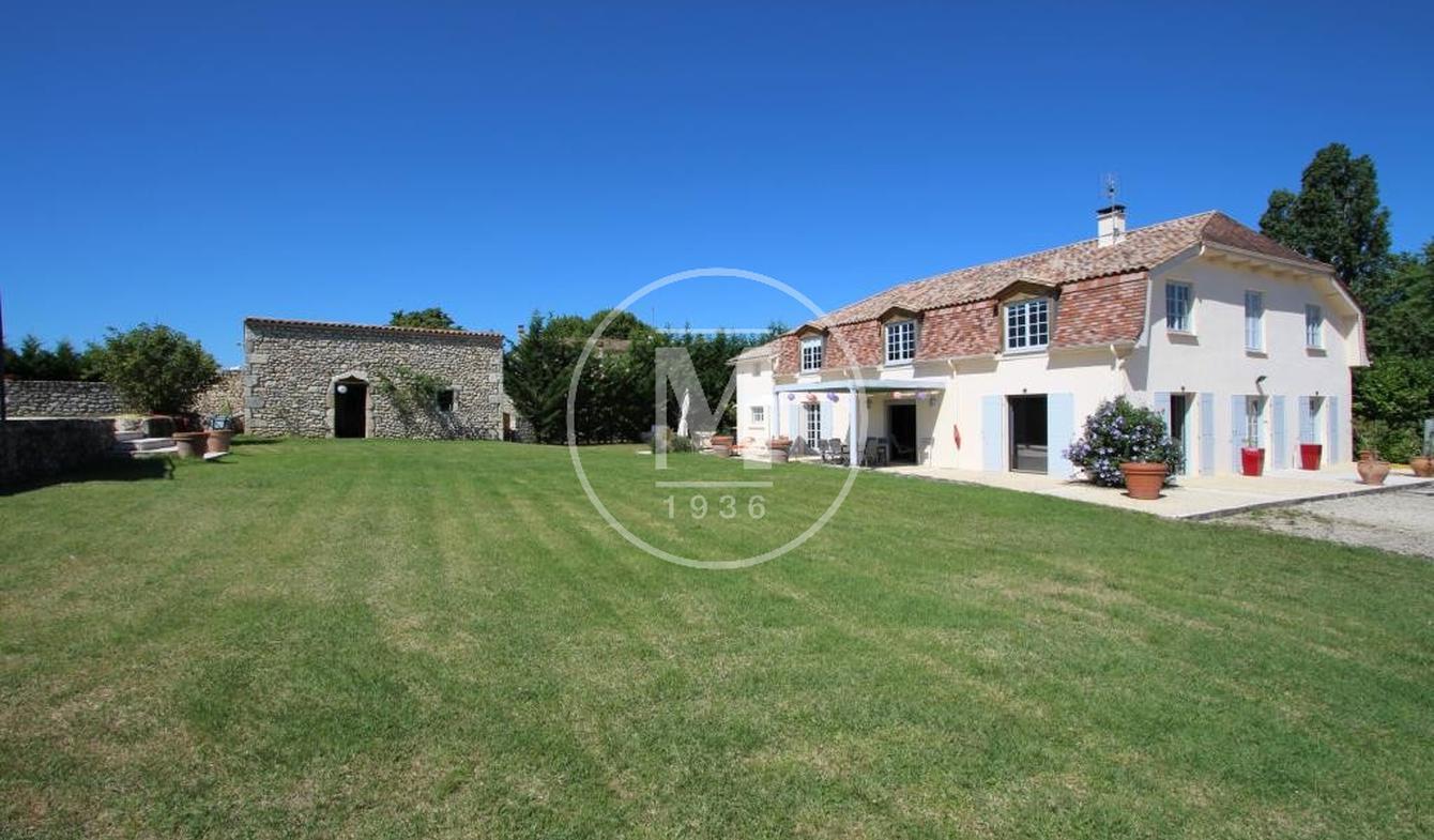 Maison avec piscine et terrasse Sainte-Foy-la-Grande