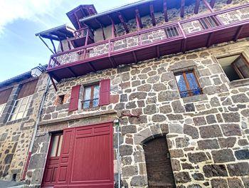 appartement à Vic-sur-Cère (15)
