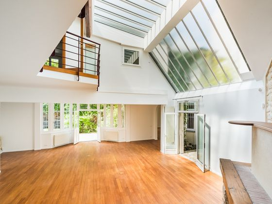 Location maison 7 pièces 231,25 m2
