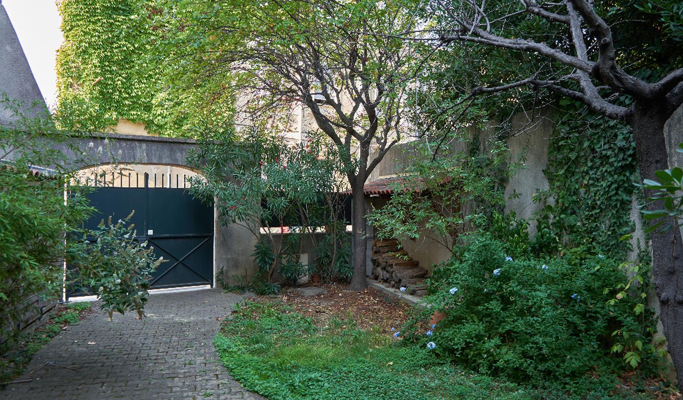 House with terrace Avignon