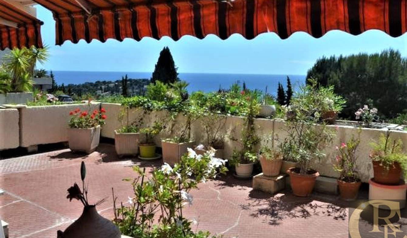 Apartment with terrace Cassis