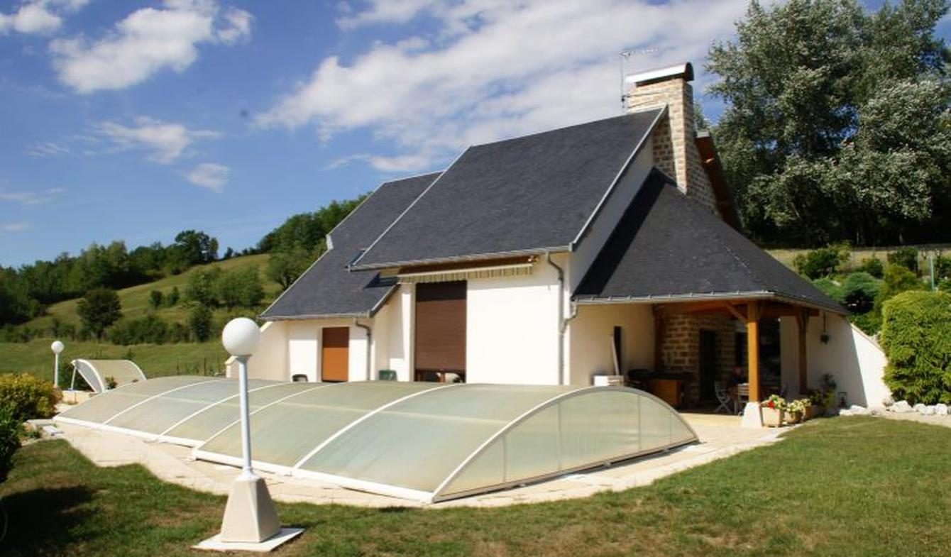 House with pool and terrace Chazey-Bons