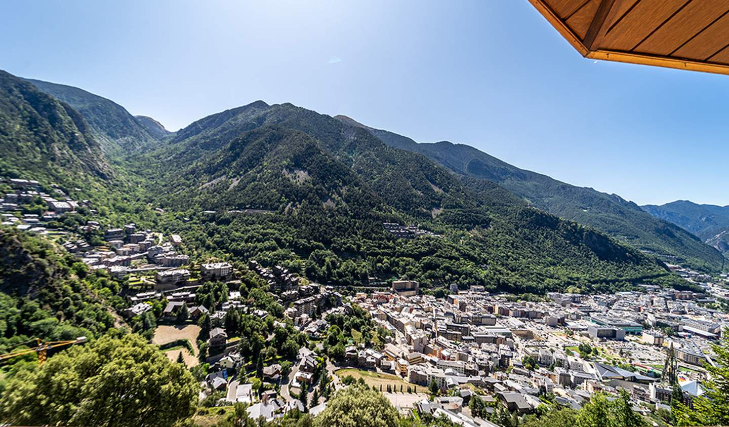 Contemporary apartment with terrace Andorra