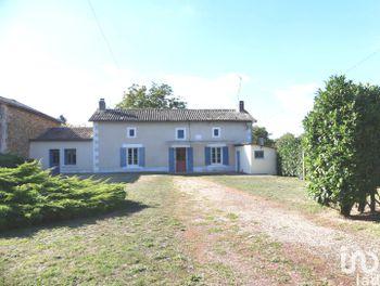 maison à Saint-Sauvant (86)