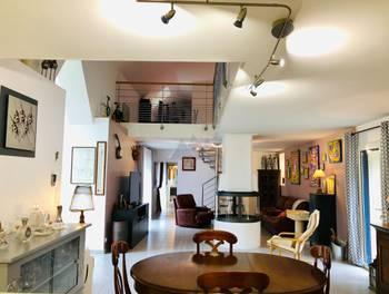 Maison 10 pièces 274 m2