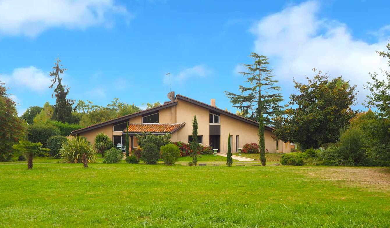 House with pool and terrace Grenade-sur-l'Adour