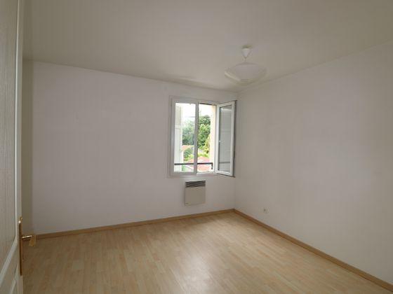 Location appartement meublé 3 pièces 68,84 m2