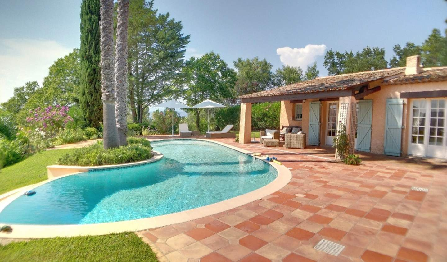 Villa with pool and terrace Le Muy