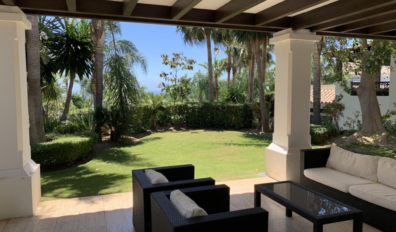 Seaside villa and garden Marbella