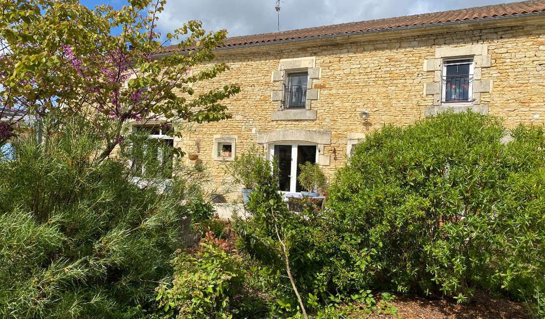 House with pool La Rochelle